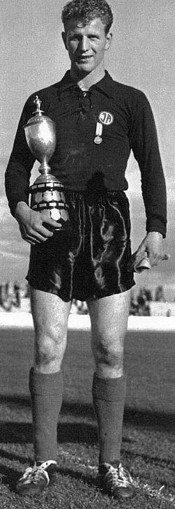 1960 Helgi Dan með Íslandsbikarinn